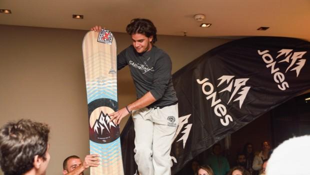 Jones snowboard winner Athens