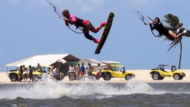 Pro-kiteboarders-Gisela_Pulido-Paula-Novotna
